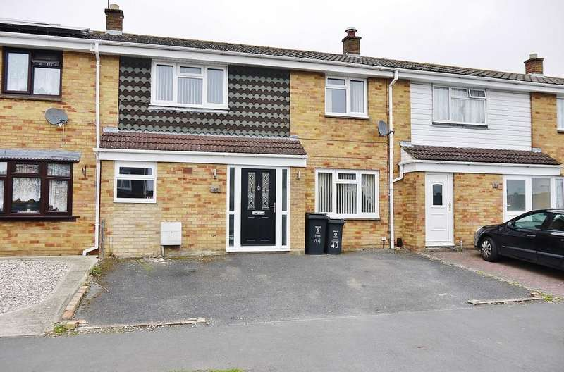 3 Bedrooms Terraced House for sale in Bolingbroke Road, Swindon