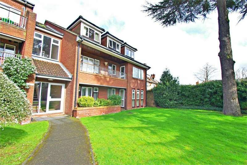 2 Bedrooms Flat for sale in Lorane Court, Langley Road, WATFORD, Hertfordshire