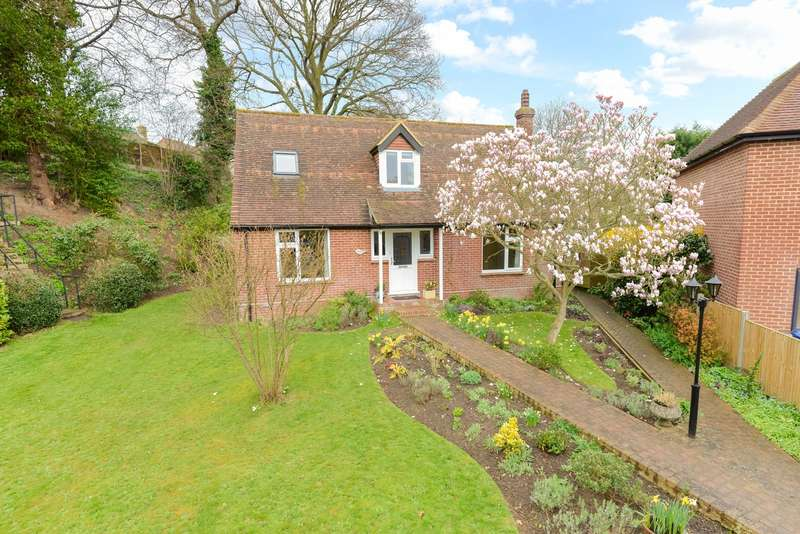 3 Bedrooms Detached House for sale in Richmond Gardens, Canterbury, CT2