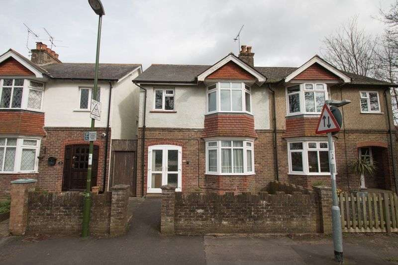 3 Bedrooms Semi Detached House for sale in Alexandra Road, Chichester