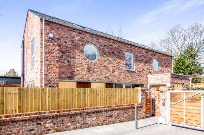 3 Bedrooms Detached House for sale in The Oaks, Litherland, Liverpool, Merseyside, L21