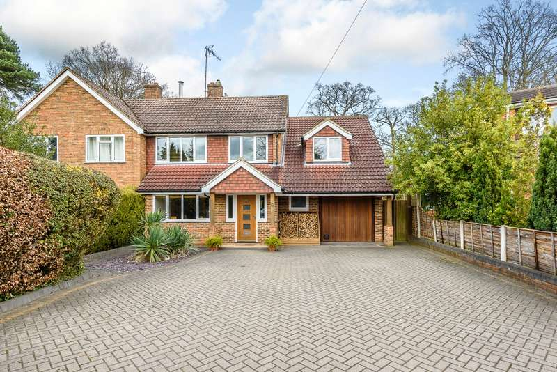 4 Bedrooms Semi Detached House for sale in Farnham