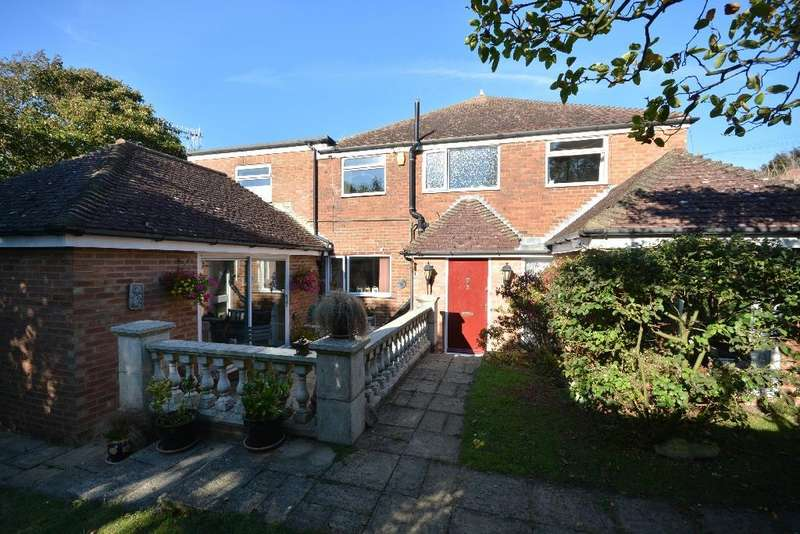 4 Bedrooms Semi Detached House for sale in Oakfield Road, Hastings