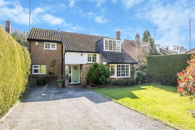 5 Bedrooms Detached House for sale in Woodhurst Lane, Oxted, Surrey