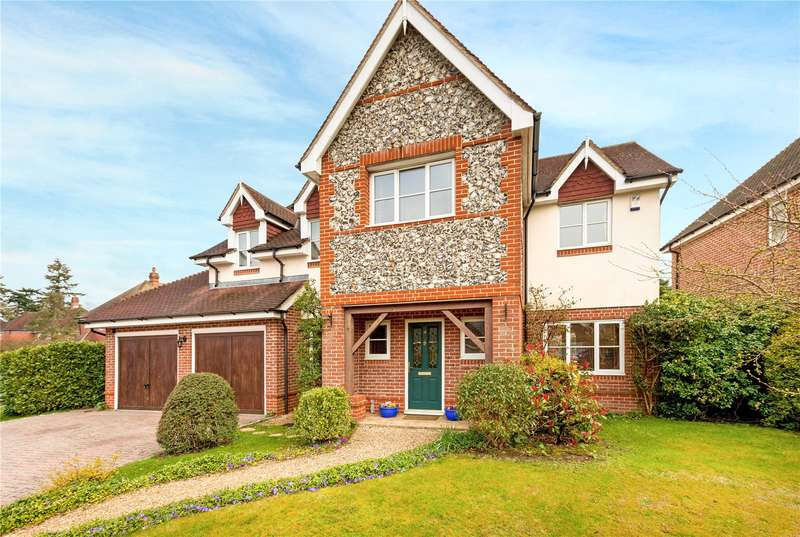 5 Bedrooms Detached House for sale in Heather Gardens, Newbury, Berkshire, RG14