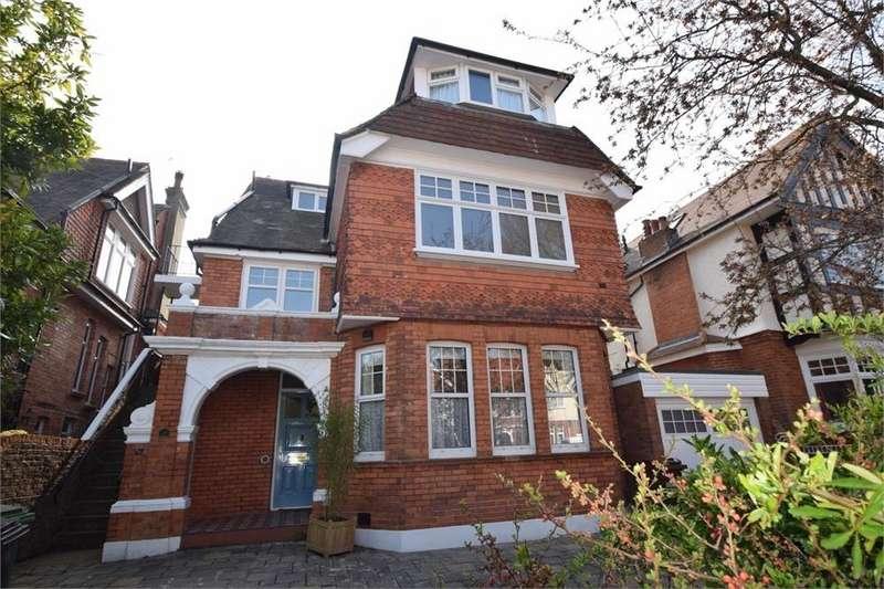 2 Bedrooms Flat for sale in Arlington Road, Saffrons, East Sussex