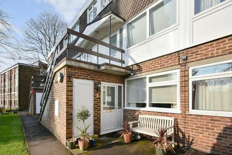3 Bedrooms Flat for sale in Lubbock Road, Chislehurst, BR7