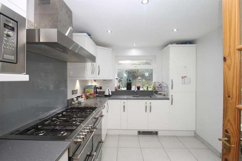 4 Bedrooms Semi Detached House for sale in Pizien Well Road, Wateringbury, Maidstone
