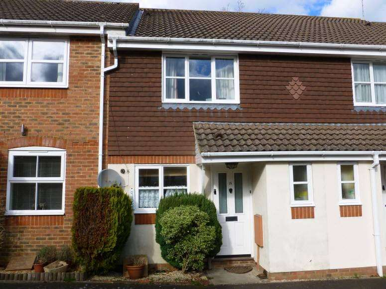 2 Bedrooms House for sale in Joyce Close, Cranbrook, Kent, TN17 3LZ
