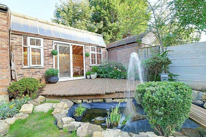 4 Bedrooms Detached House for sale in Avenue Vivian, Scunthorpe
