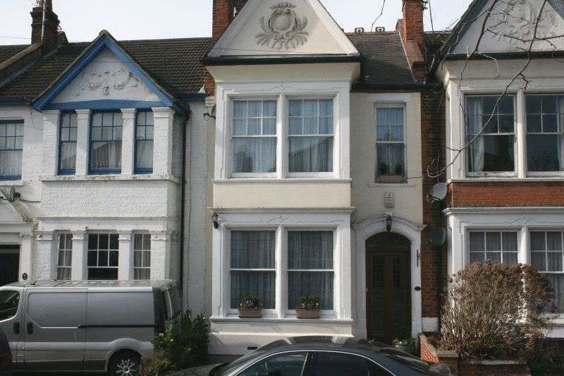 4 Bedrooms Terraced House for sale in Wilson Road, Southend-On-Sea