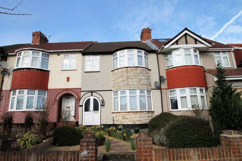 3 Bedrooms Terraced House for sale in Whitton Avenue West, Greenford,