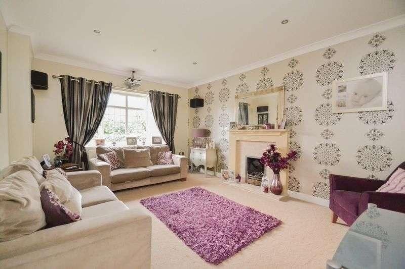 5 Bedrooms Detached House for sale in Jubilee Road, Walmer Bridge, Preston
