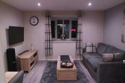 1 Bedroom Flat for sale in Latimer Court, Waltham Cross, Hertfordshire