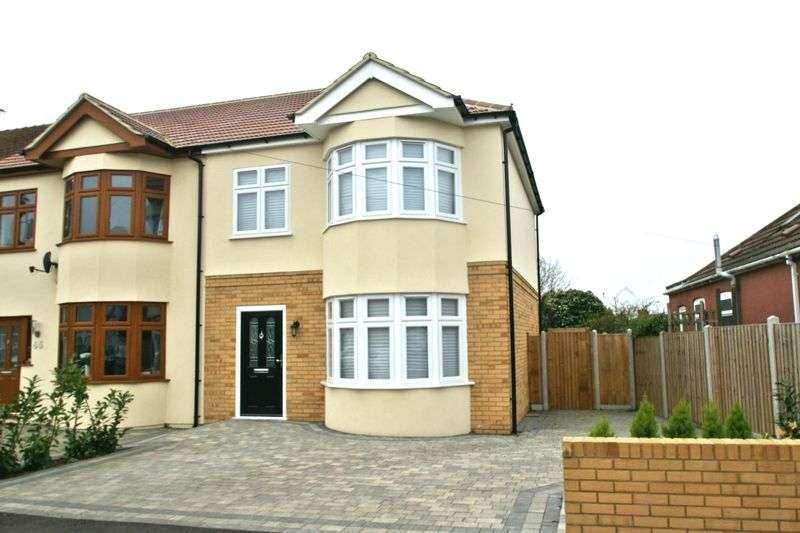 4 Bedrooms Semi Detached House for sale in Southdown Road, Hornchurch