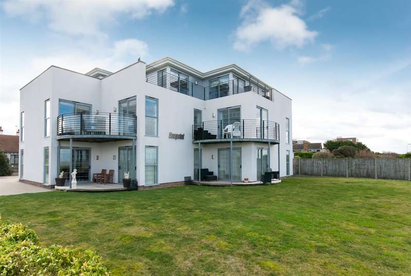 2 Bedrooms Flat for sale in The Parade, Birchington