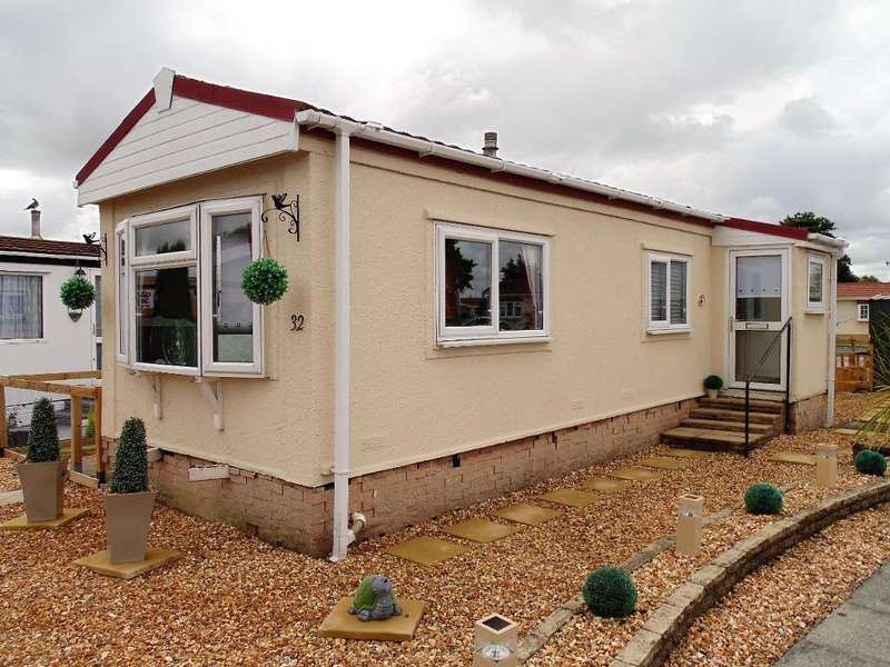1 Bedroom Park Home Mobile Home for sale in The Avenue, Wyre Vale Park, Garstang, Lancashire, PR3 1PY