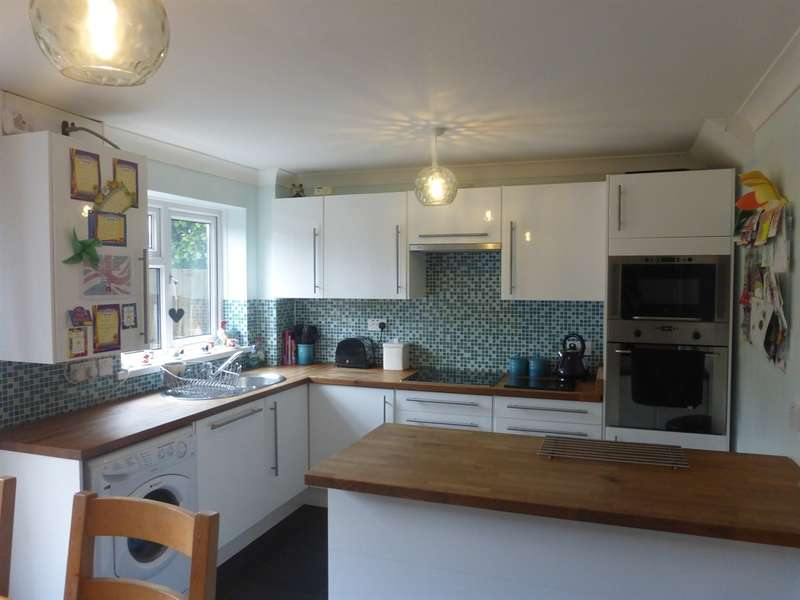 3 Bedrooms Semi Detached House for sale in Yr Ysfa, Maesteg