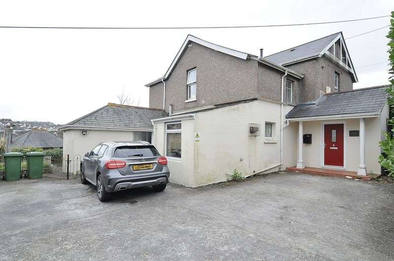 4 Bedrooms Detached House for sale in Plymstock Road, Plymouth. Spacious detached family home.