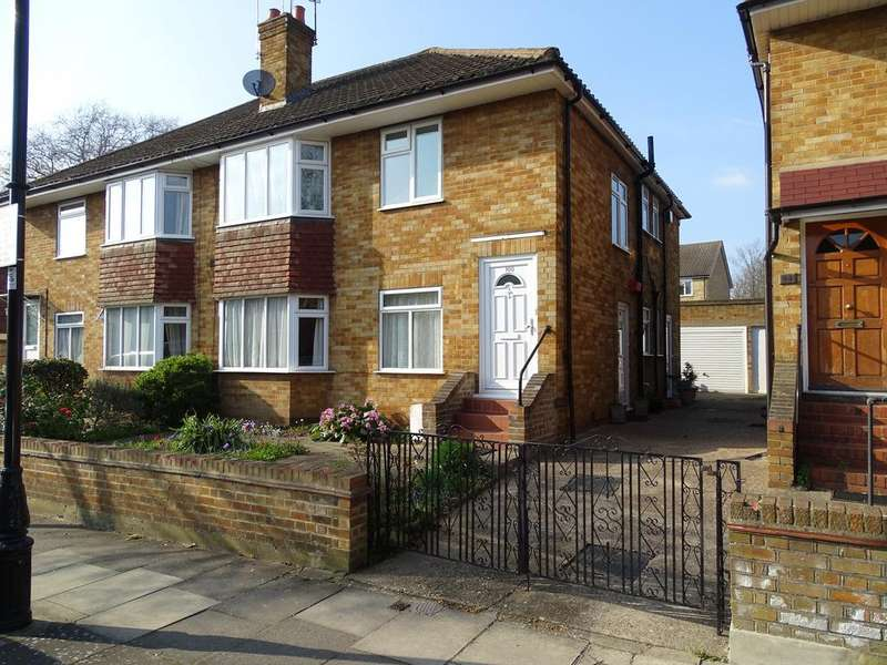 2 Bedrooms Flat for sale in Webster Gardens, Ealing