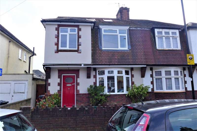 4 Bedrooms Semi Detached House for sale in Queens Road, Feltham