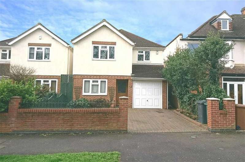 4 Bedrooms Detached House for sale in Forest Side, North Chingford, Essex