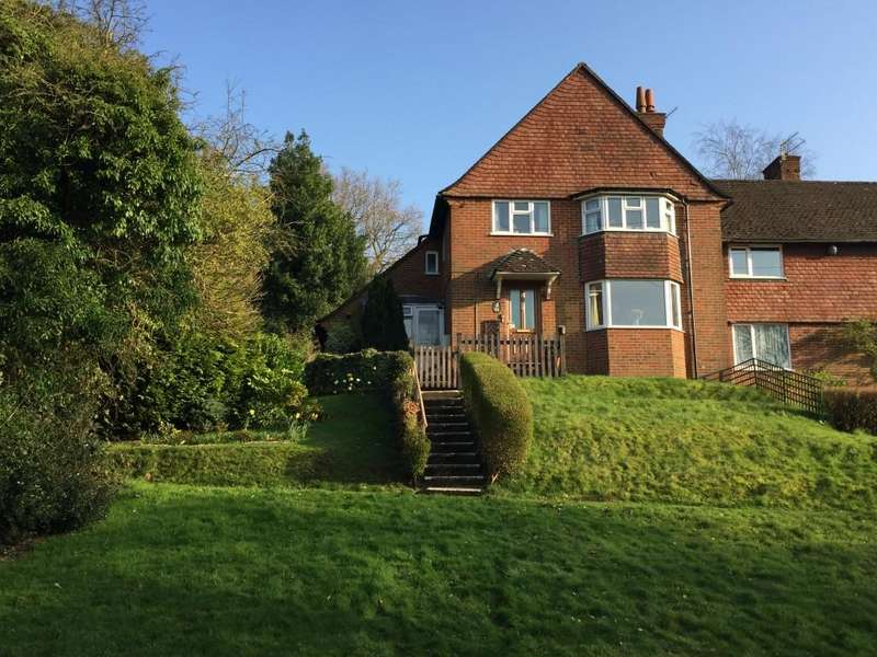 2 Bedrooms Apartment Flat for sale in Sun Brow, Haslemere