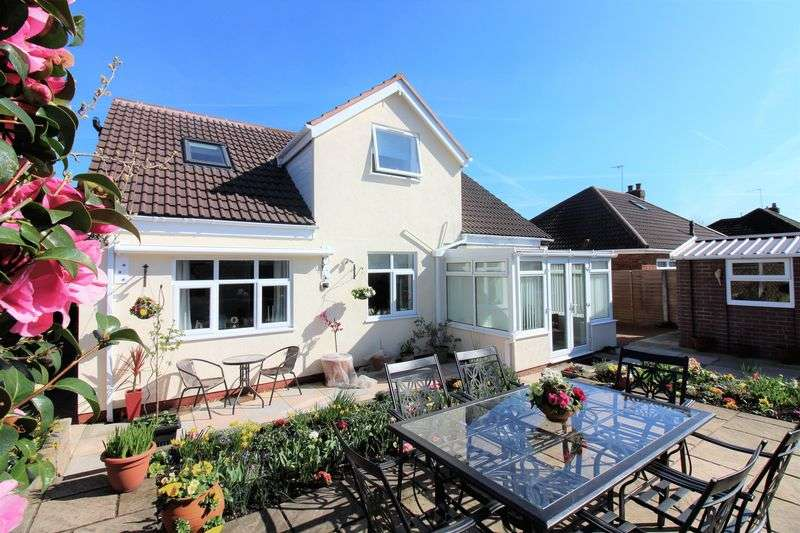 3 Bedrooms Detached House for sale in Manor Drive, Great Boughton, Chester