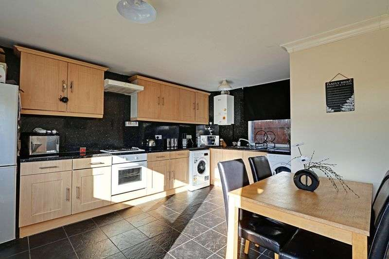 3 Bedrooms Terraced House for sale in Sandford Close, Hull