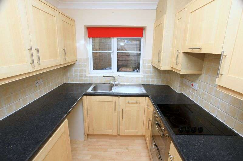 3 Bedrooms Terraced House for sale in Sanderson Grove, Saltburn-By-The-Sea, Redcar and Cleveland, TS13