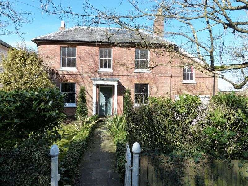 4 Bedrooms Property for sale in High Street, Hawkhurst