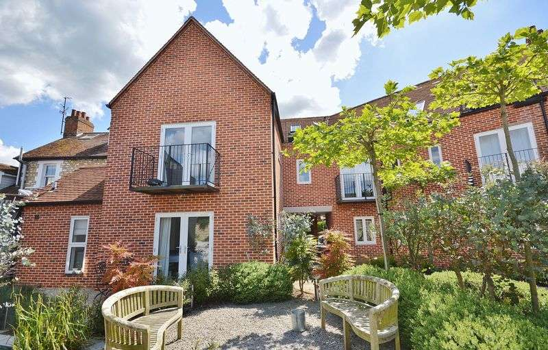 3 Bedrooms Flat for sale in Thame