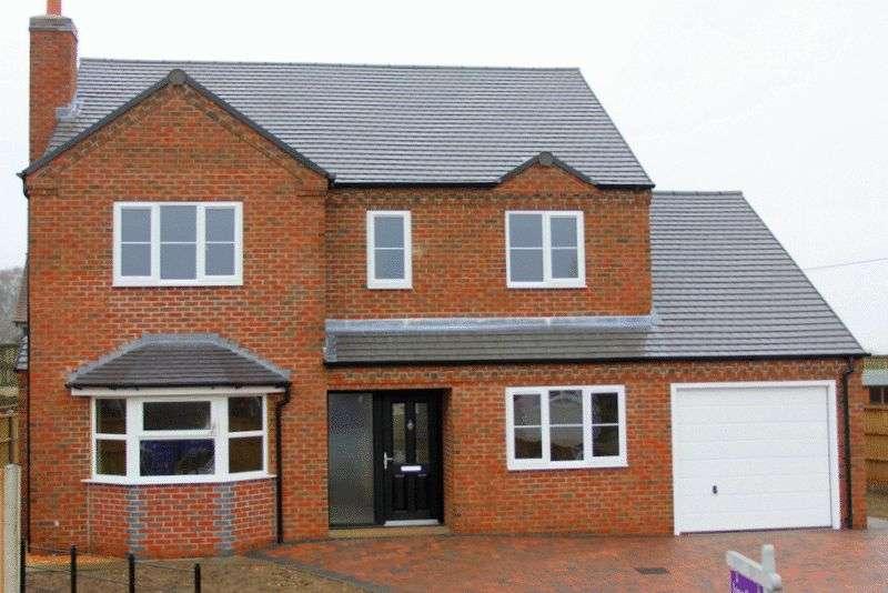 4 Bedrooms Detached House for sale in Four Bedroom Detached, Hillcrest, Newcastle Road, Market Drayton