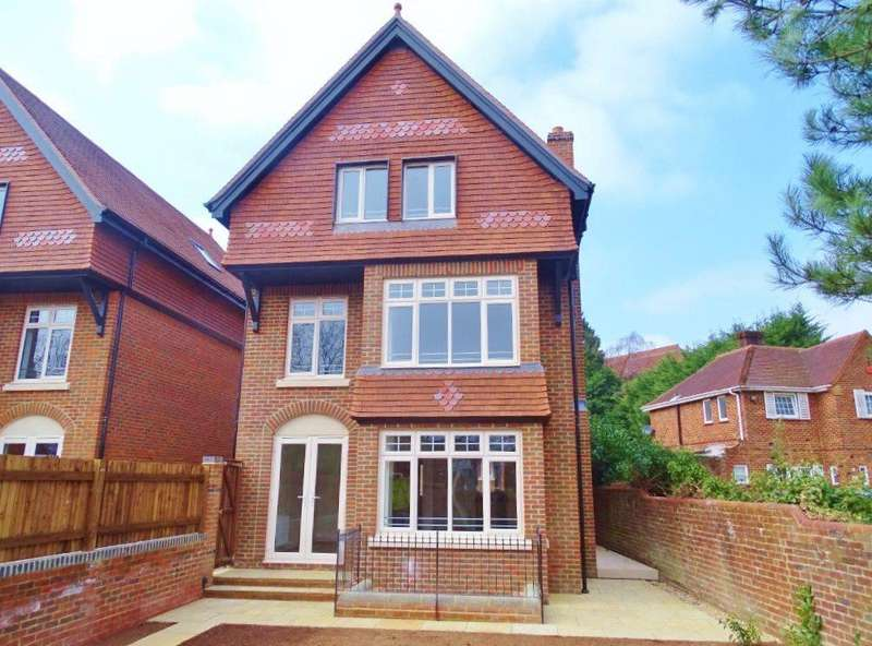 5 Bedrooms Town House for sale in Bassett