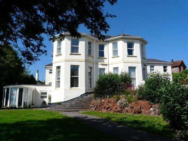 2 Bedrooms Flat for sale in Carlton Manor, 9 Roundham Road, Paignton, Devon