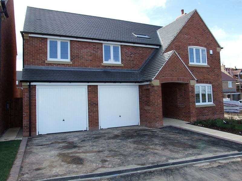 5 Bedrooms Detached House for sale in Doble Crescent, Hathern