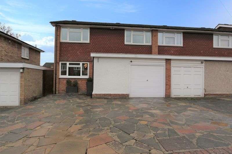 3 Bedrooms Semi Detached House for sale in Woolhampton Way, Chigwell