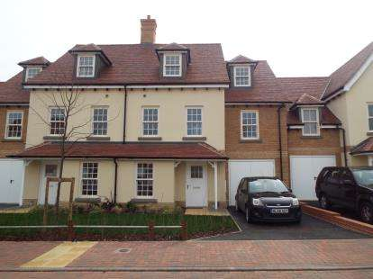 5 Bedrooms Terraced House for sale in Colchester, Essex