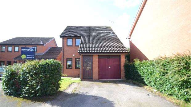 3 Bedrooms Detached House for sale in Fulmer Close, Earley, Reading