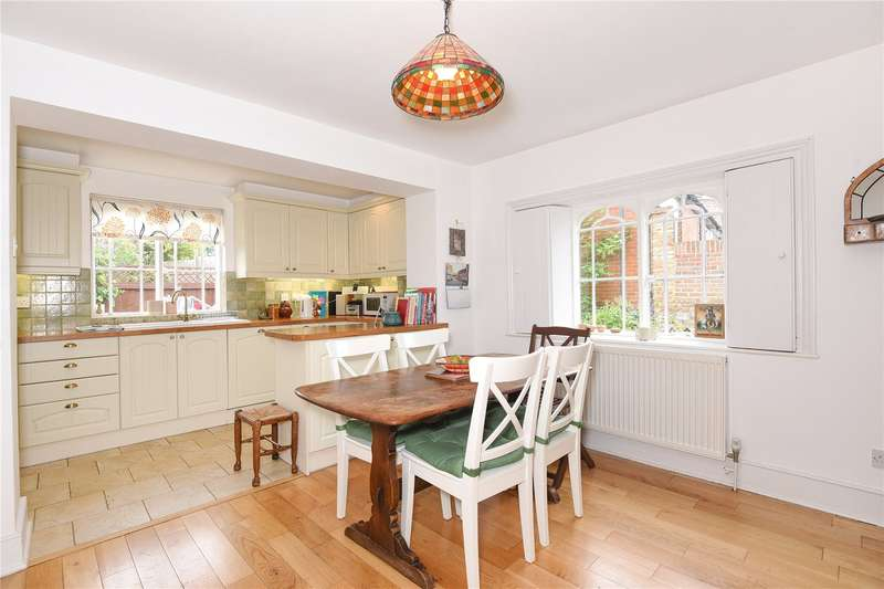 2 Bedrooms Semi Detached House for sale in Green Lane Cottages, Green Lane, Stanmore, Middlesex, HA7