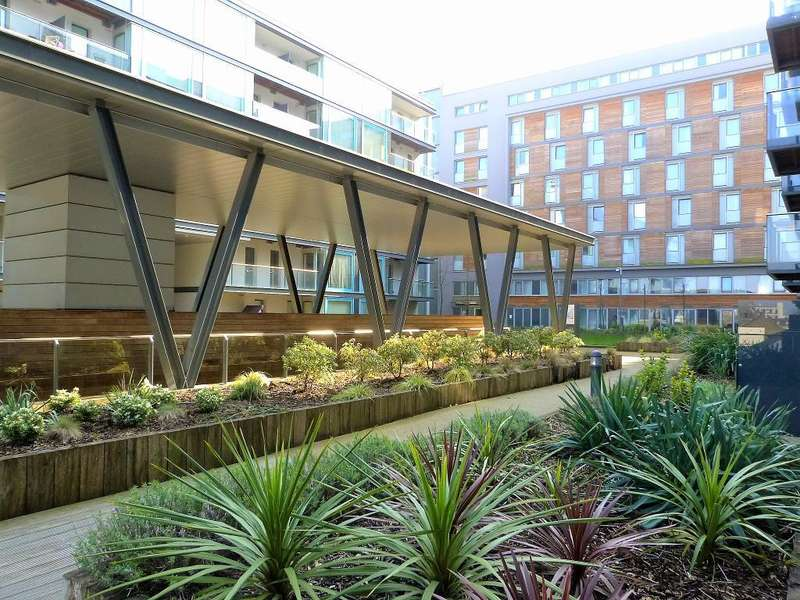 Studio Flat for sale in Vantage Building, Station Approach, Hayes, UB3 4BQ