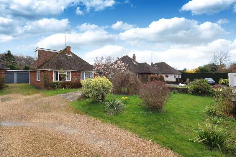 3 Bedrooms Detached Bungalow for sale in Cavendish Close, Horsham