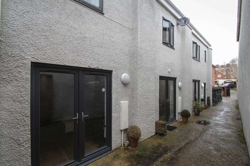 2 Bedrooms Terraced House for sale in 1 The Old Print Works, High Street, Crediton