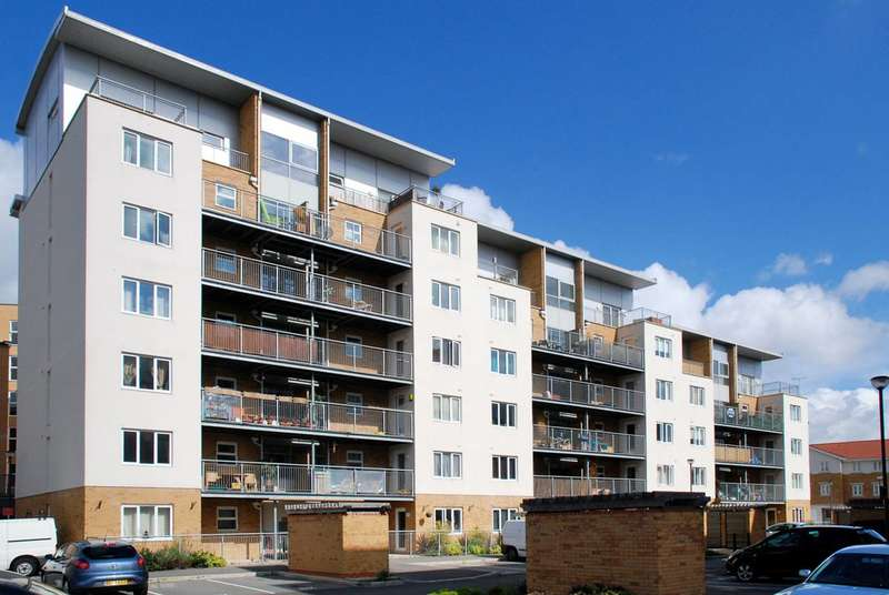 1 Bedroom Flat for sale in Primrose Place, Isleworth, TW7