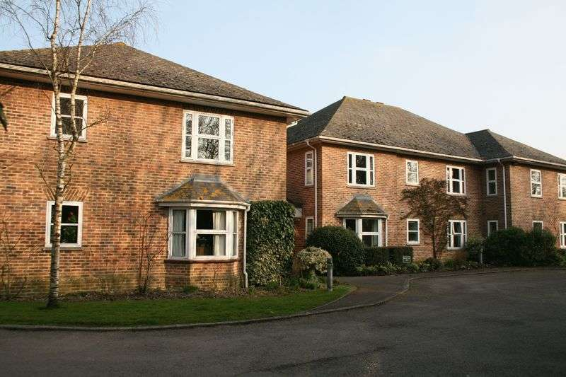 2 Bedrooms Flat for sale in SEDGEHILL