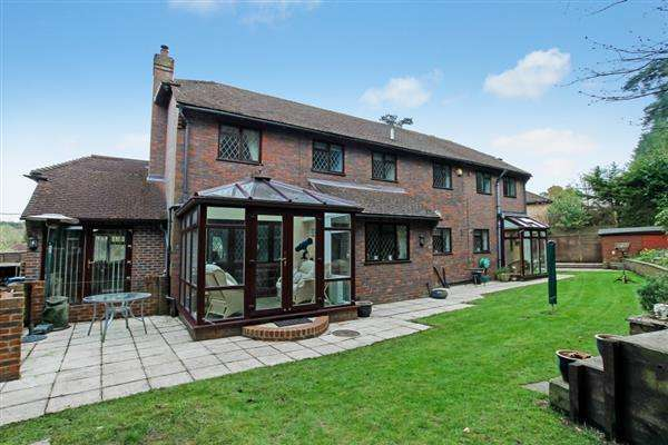 1 Bedroom House for sale in High Bank, Linden Road, Headley Down