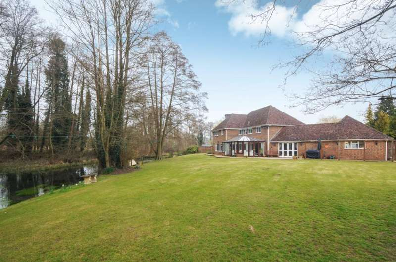 4 Bedrooms Detached House for sale in Riverside Close, Old Basing, Basingstoke, Hampshire, RG24
