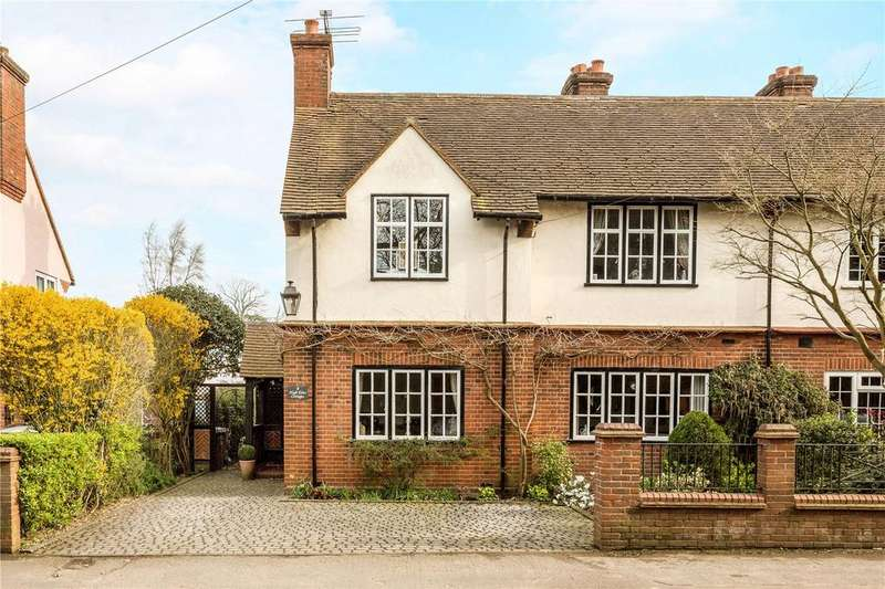 4 Bedrooms Semi Detached House for sale in High Elms Cottages, Woodside Road, Watford, WD25