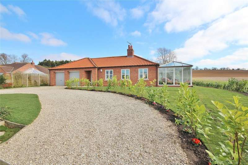 4 Bedrooms Detached Bungalow for sale in Weldon Road, Hemswell, DN21