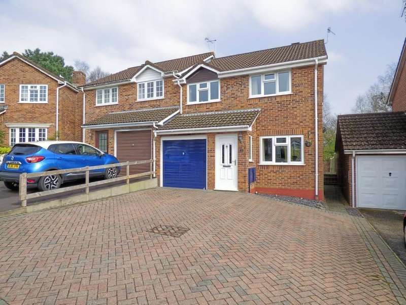 3 Bedrooms Semi Detached House for sale in Chaffinch Close, Creekmoor